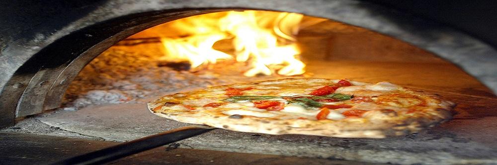 Si alla pizza fatta incasa