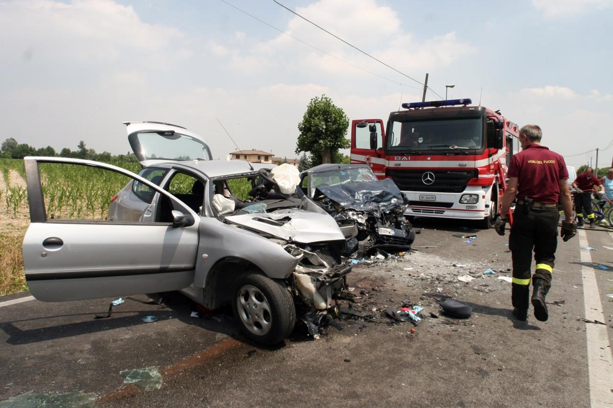 Incidenti stradali e comportamento dei soggetti coinvolti: per la Cassazione, ai fini dell'integrazione del reato di fuga, basta il doloeventuale.