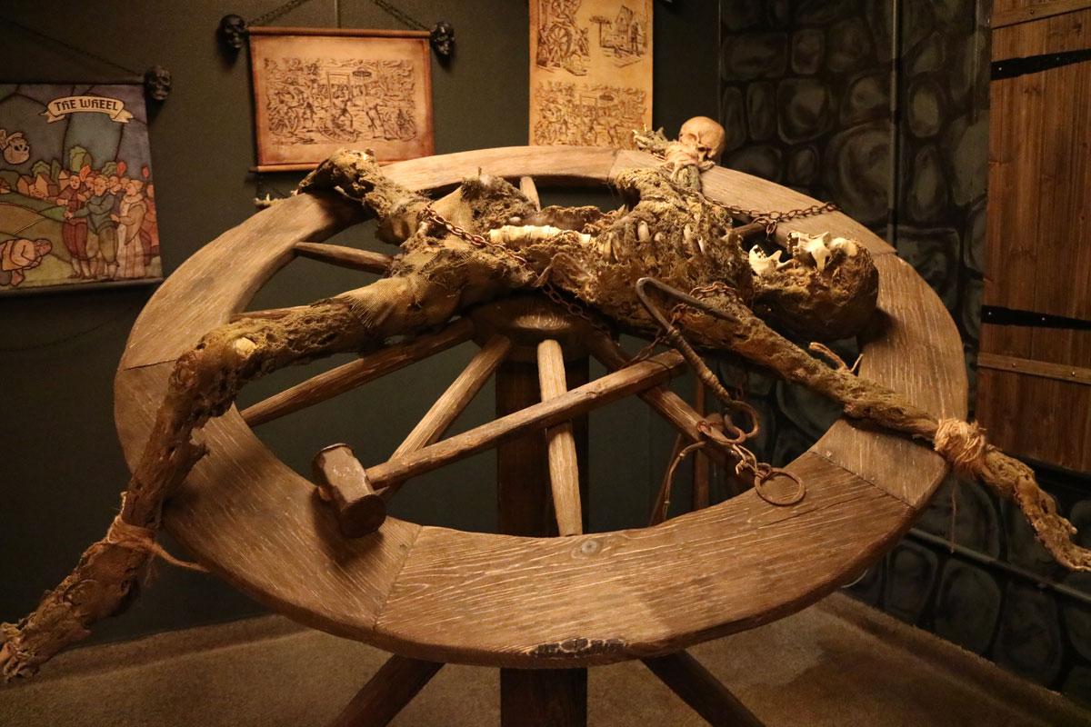 La tortura: dalle origini all'Illuminismo