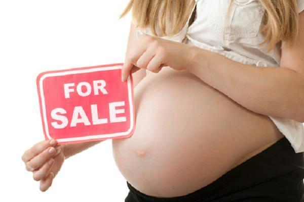 Cassazione: reato di affidamento illegittimo del figlio anche se non vie è alcuncompenso.